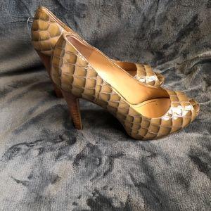 Gorgeous Tan Snake skin Peep Toe Heels Pumps